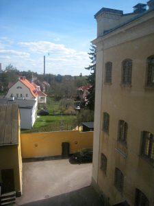 Utsikt över en del av fängelsegården, Falu gamla fängelse