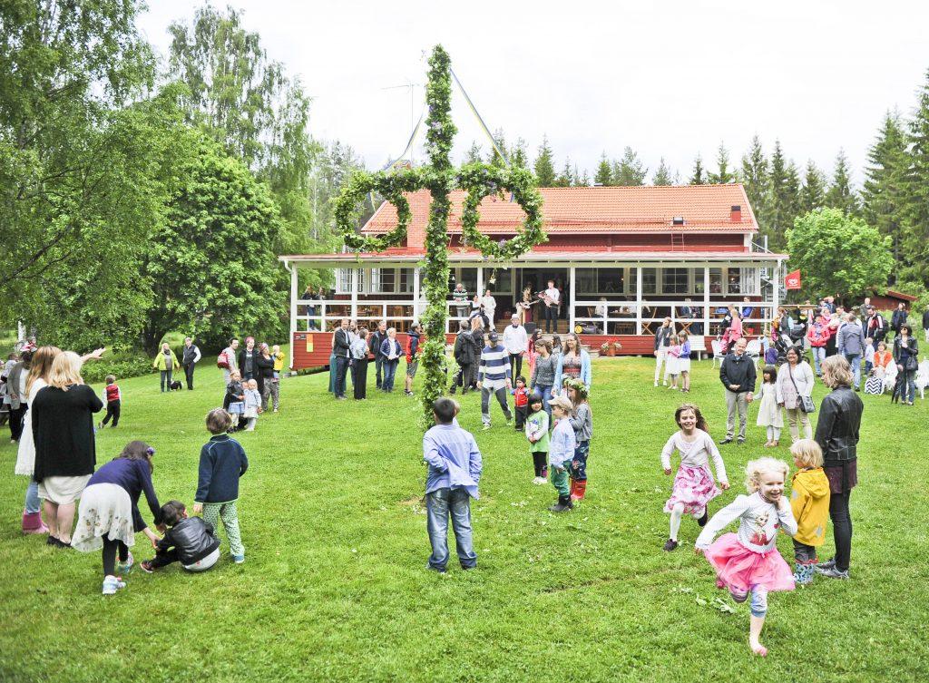 Midsommarfirande på Prästnäset i Bollnäs. Foto Tobias Svensson ©Ljusnan